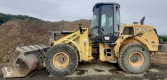 New Holland L 170 incarcator pe roti second-hand