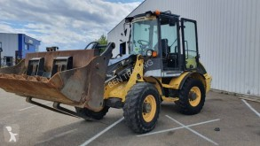 New Holland w60btc chargeuse sur pneus occasion