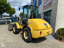 New Holland W 60 incarcator pe roti second-hand