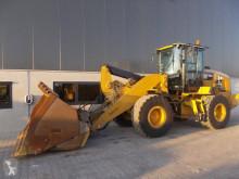 Pala cargadora Caterpillar 930M pala cargadora de ruedas usada