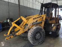 Ahlmann AL 70 lastare på däck skadad