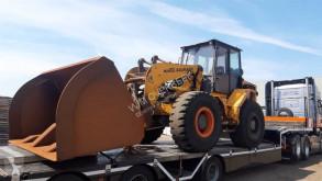 Ahlmann AZ 200 lastare på däck skadad