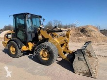 Caterpillar 906 Caterpillar CAT 906 incarcator pe roti second-hand