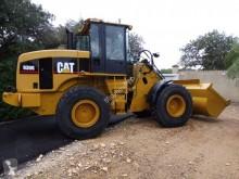 مُحمّلة Caterpillar 930G محملة بعجلات مستعمل