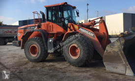Doosan wheel loader DL300
