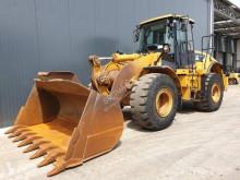 مُحمّلة Caterpillar 962H محملة بعجلات مستعمل