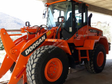 Doosan wheel loader DL 200