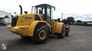 Chargeuse sur pneus New Holland W 230 C