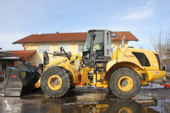Chargeuse sur pneus New Holland W 270 B