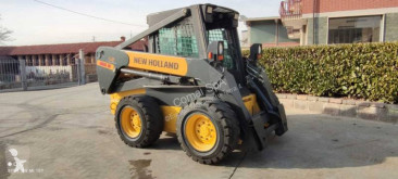 New Holland LS 185 B mini pala cargadora usada