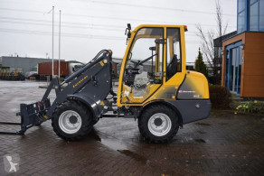 Farm loader Type W12-CS bij Eemsned