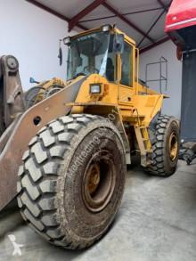 Pá carregadora Volvo L 180 D pá carregadora sobre pneus usada