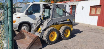 Mini pala cargadora New Holland LS 150