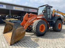 Hitachi wheel loader ZW220