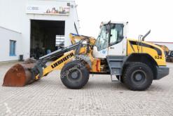 Liebherr L524 mit neuer Bereifung chargeuse sur pneus occasion