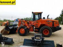 Voir les photos Chargeuse Doosan DL 250 DL 250 200 400 420 CAT 924