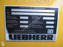 Просмотреть фотографии Фронтальный погрузчик Liebherr L586