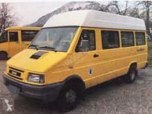 Autocar Iveco a 40 e 10.31 usado