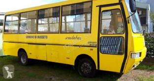 Autocarro Iveco IVECO 85 C 18 CACCIAMALI transporte escolar usado