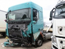Trattore DAF XF105 410 incidentato