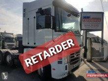 Used exceptional transport tractor unit Renault Magnum 520