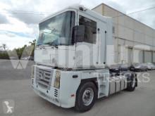 Renault tractor unit Magnum