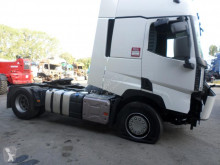 Renault Gamme T 480 DXI tractor unit damaged