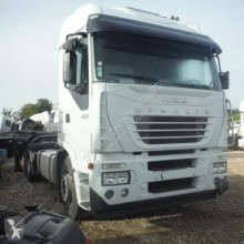 Tracteur Iveco Stralis 440 S 43 accidenté
