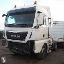 MAN TGX 18.480 tractor unit damaged