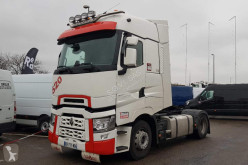 Renault tractor unit used hazardous materials / ADR