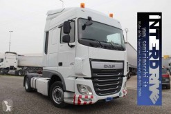 Used low bed tractor unit DAF XF105 FT 460