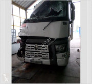 Renault Gamme T 480 tractor unit damaged