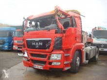 Cabeza tractora MAN TGX 18.440 accidentada