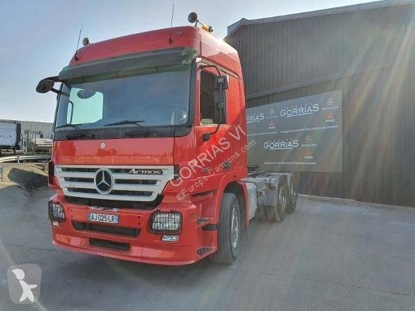 Voir les photos Tracteur Mercedes Actros 3355 SN 33