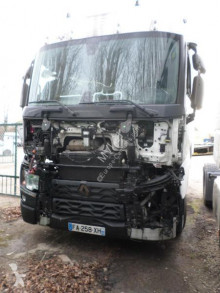 Renault Gamme T 460 tractor unit damaged