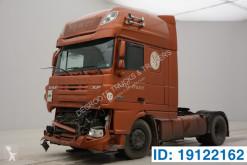 Tracteur DAF XF105 accidenté