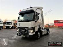 Trekker Renault Trucks T tweedehands