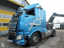 DAF XF 460 tractor unit damaged