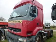 Tracteur Renault Premium 420 DCI accidenté