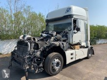 Tracteur DAF XF 510 accidenté