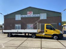 vrachtwagencombinatie Iveco 35C17 + Doornwaard BE Oplegger
