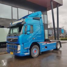 cabeza tractora Volvo FM 370 reserviert , gereserveerd , omn reservation 4X2 Globetrot