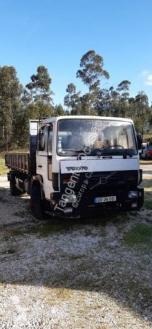 Volvo FL6 tractor unit used
