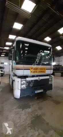Renault Magnum tractor unit used