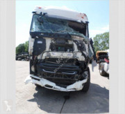 Cabeza tractora DAF XF 510 accidentada