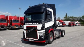 Renault tractor unit used