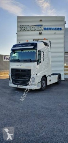 Cabeza tractora productos peligrosos / ADR usada Volvo FH 500