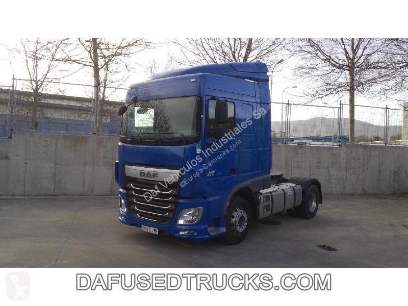 Voir les photos Tracteur DAF XF 460