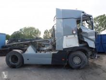 Тягач Renault Gamme T 520 после аварии