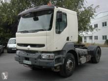 Tahač Renault Kerax 385